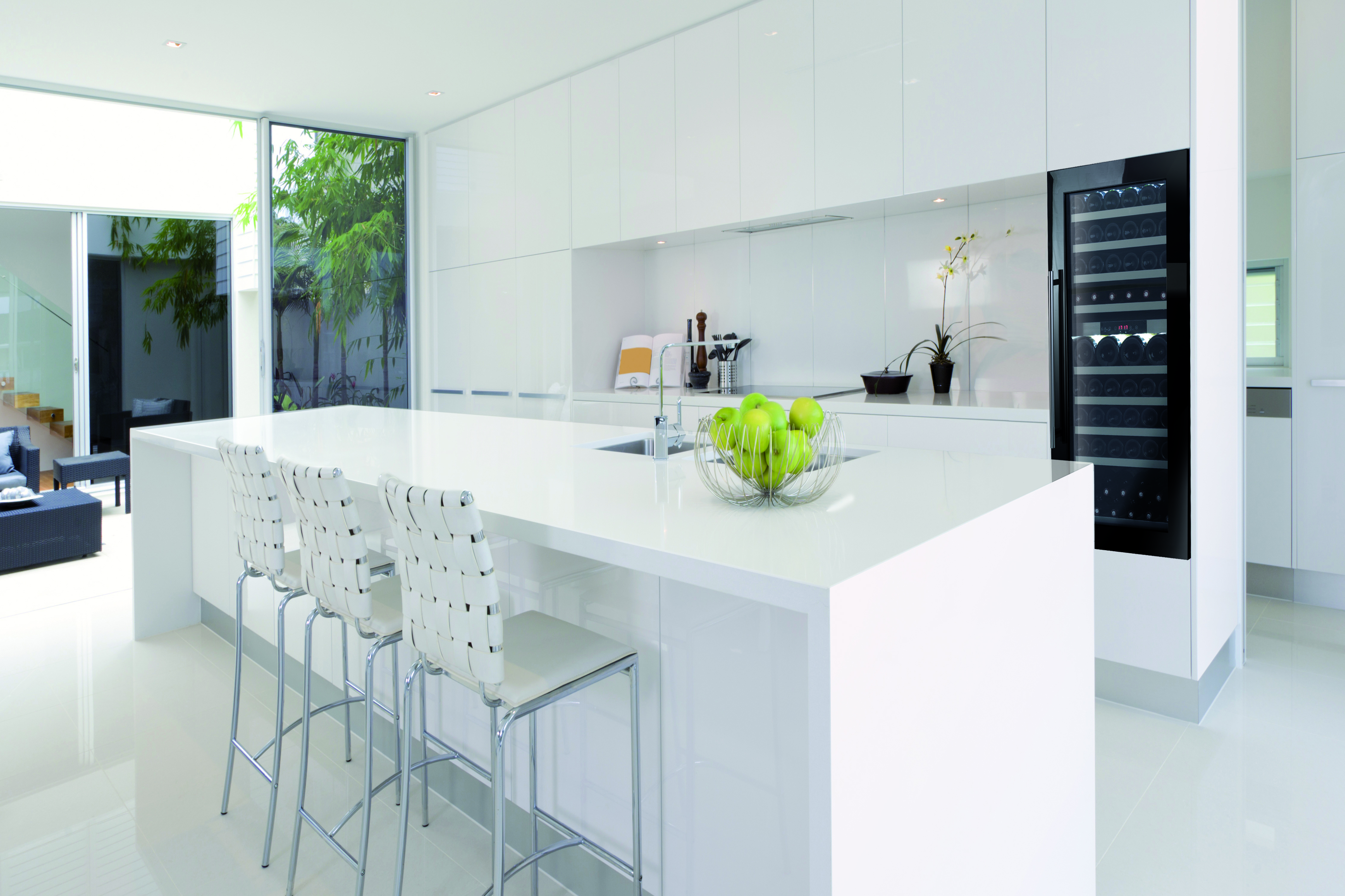 Ltimos modelos de vinotecas integrables en cocinas caveplus for Ultimos modelos de cocinas