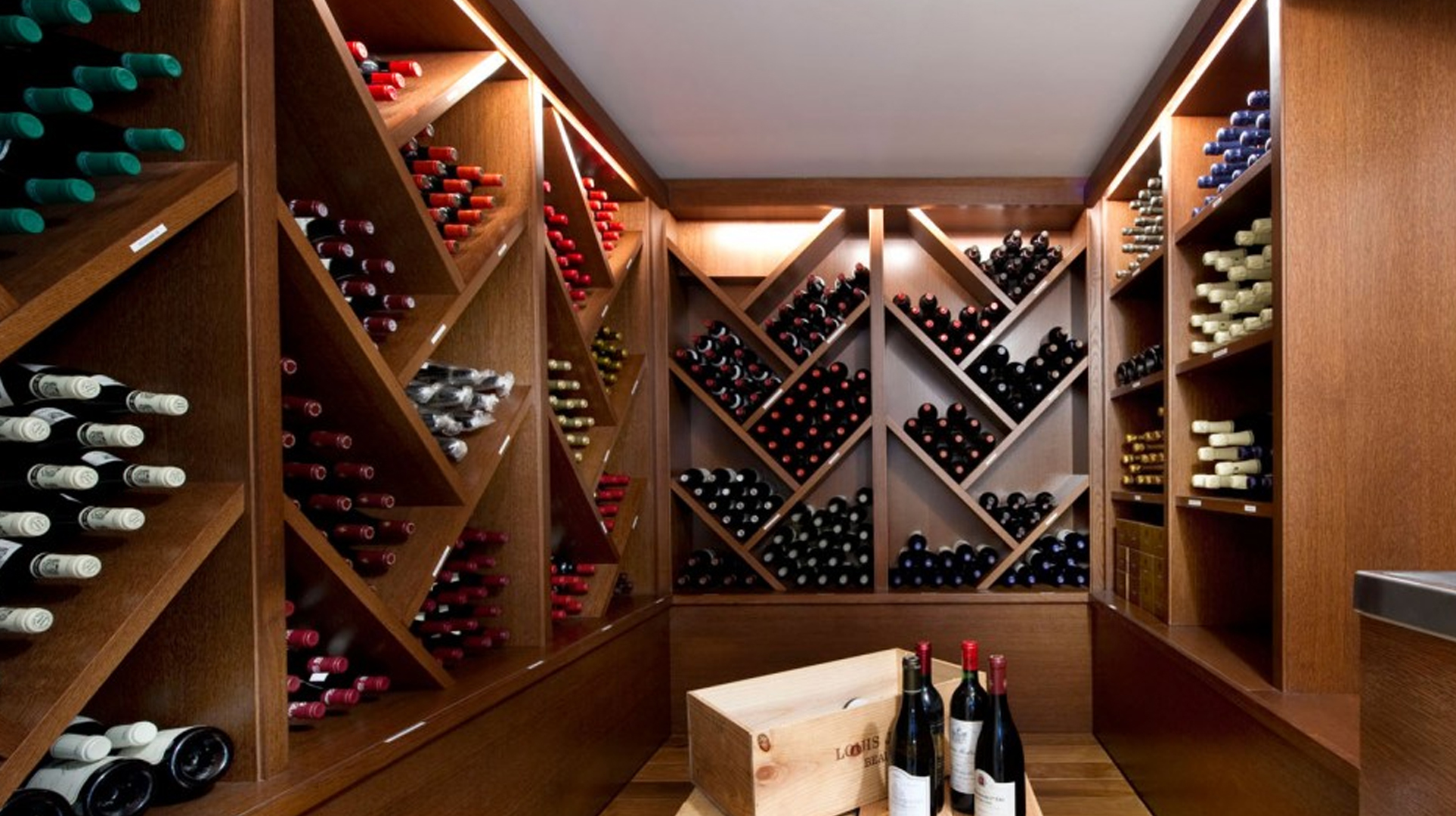 Mueble para vinoteca a medida nico y personalizados for Muebles para vinotecas