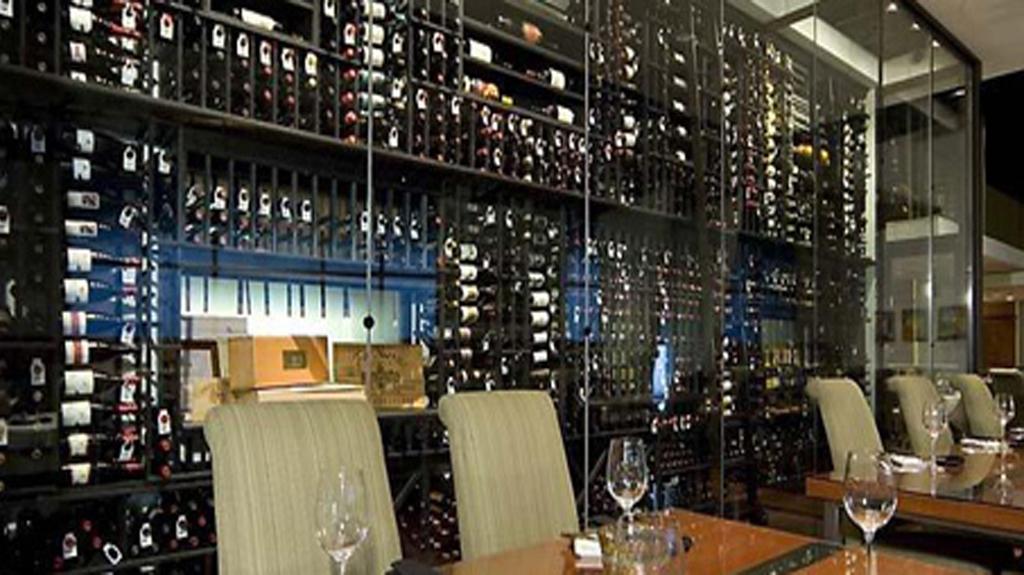 Vinotecas a medida archivos p gina 2 de 10 comprar vinotecas online caveplus comprar - Botelleros para bares ...